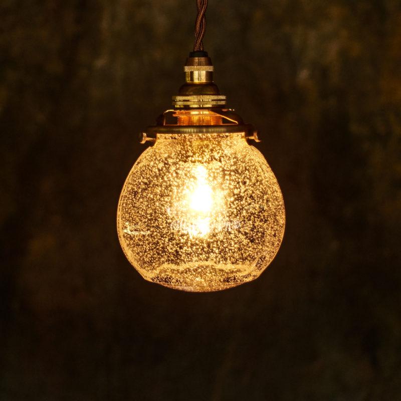やわい屋 球 泡 L4A 照明オン