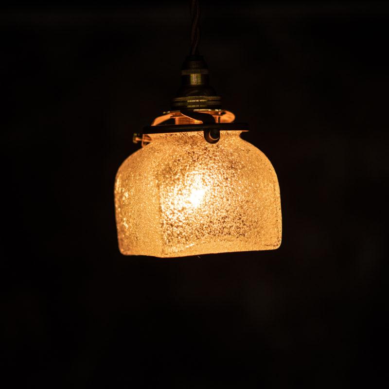 やわい屋 角瓶 泡 L9A 照明オン